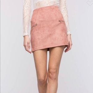 NWT! Faux Suede Light Pink Mini Skirt Zipper Small